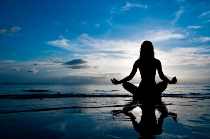5-minute journal_meditating_bgtrotter